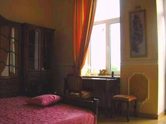 2-комнатная квартира посуточно в Виннице. Ленинский район, ул. Соборная, 38. Фото 1