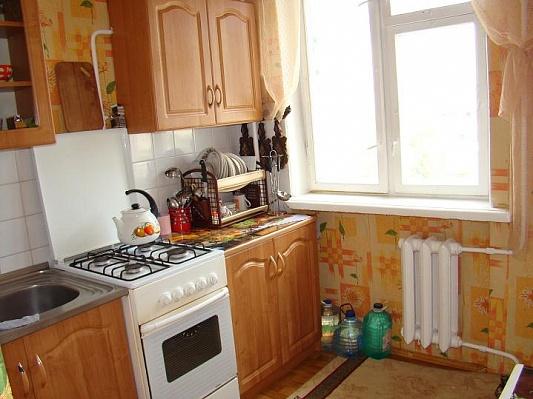 1-комнатная квартира посуточно в Севастополе. Гагаринский район, ул. Островской, 13. Фото 1