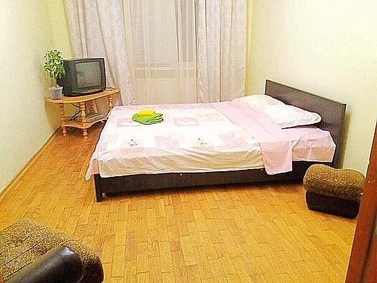 2-комнатная квартира посуточно в Ужгороде. ул. Станционная, 6. Фото 1
