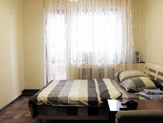 2-комнатная квартира посуточно в Днепропетровске. Амур-Нижнеднепровский район, ул. Калиновая, 77. Фото 1