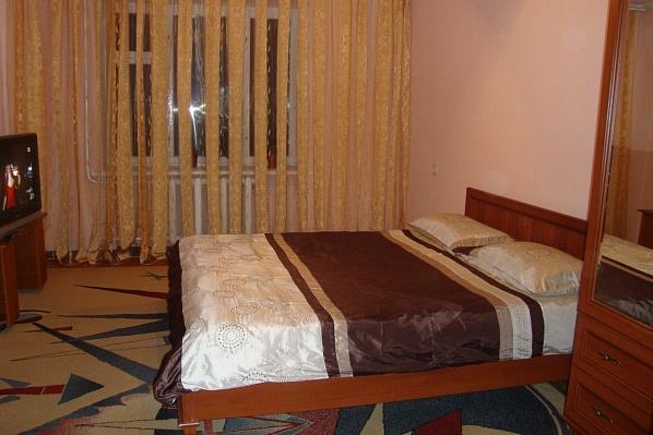 2-комнатная квартира посуточно в Черновцах. Первомайский район, ул. Главная, 189. Фото 1