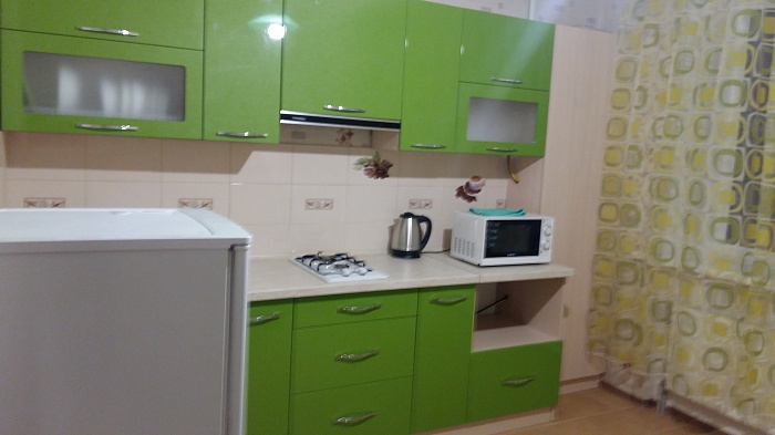 1-комнатная квартира посуточно в Чернигове. Новозаводской район, ул. 1-й Гвардейской Армии , 39а. Фото 1