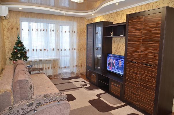 2-комнатная квартира посуточно в Бердичеве. ул. Семеновская, 23. Фото 1