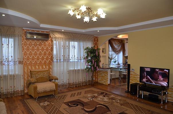 2-комнатная квартира посуточно в Бердичеве. ул. Урицкого, 10А. Фото 1