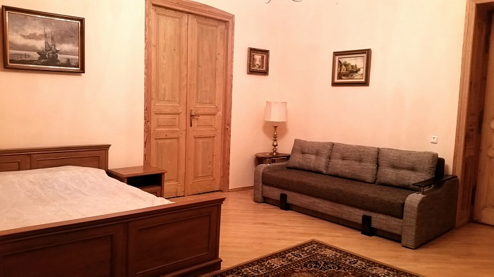 2-комнатная квартира посуточно в Львове. Галицкий район, ул. Гребинки, 9. Фото 1