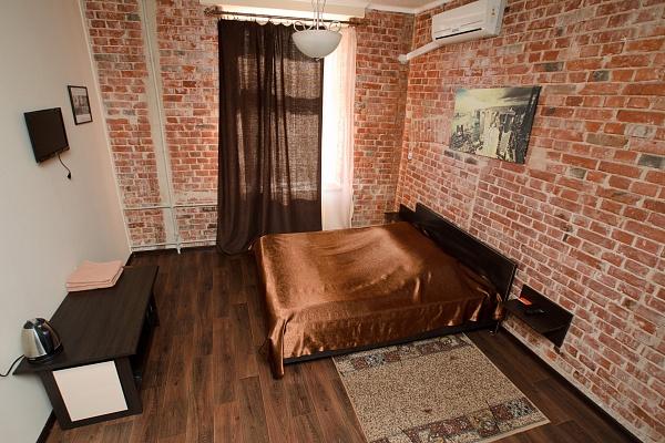 1-комнатная квартира посуточно в Харькове. Ленинский район, ул. Кацарская, 19. Фото 1