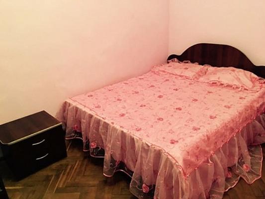 2-комнатная квартира посуточно в Львове. Галицкий район, пр-т Свободы, 37. Фото 1