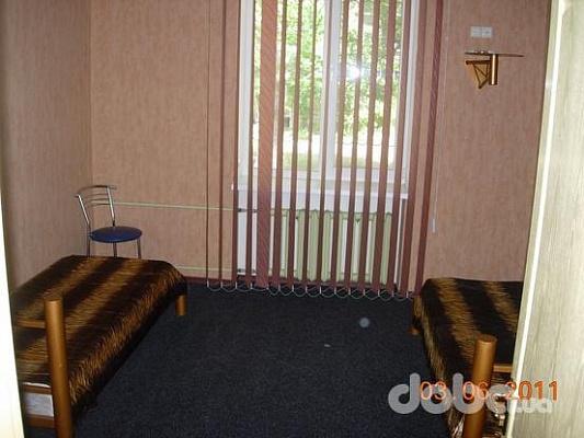 2-комнатная квартира посуточно в Бердянске. ул. Горького, 37. Фото 1
