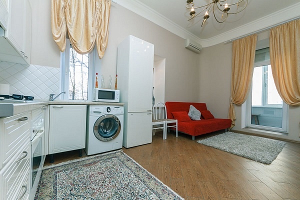 3-комнатная квартира посуточно в Киеве. Шевченковский район, ул. Михайловская, 2-в. Фото 1