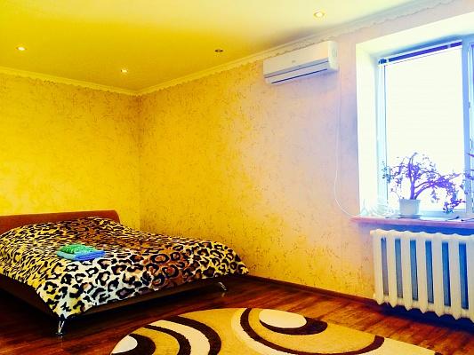 1-комнатная квартира посуточно в Черкассах. ул. Казацкая, 7. Фото 1