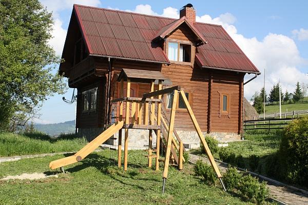 Дом  посуточно в Верховине. приселок Пушкар. Фото 1