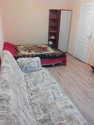 1-комнатная квартира посуточно в Запорожье. Ленинский район, пер. Яворный, 8. Фото 1