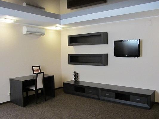 1-комнатная квартира посуточно в Харькове. пр-т Московский, 131-Б. Фото 1