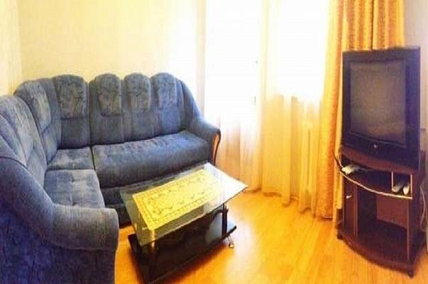 2-комнатная квартира посуточно в Севастополе. Ленинский район, Одесская, 17. Фото 1