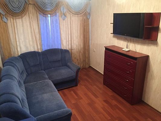 1-комнатная квартира посуточно в Сумах. Заречный район, ул. Харьковская, 114. Фото 1