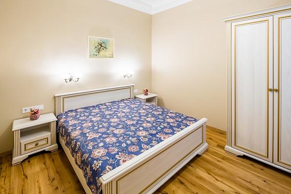2-комнатная квартира посуточно в в Брюховичах. ул. весенняя, 2. Фото 1