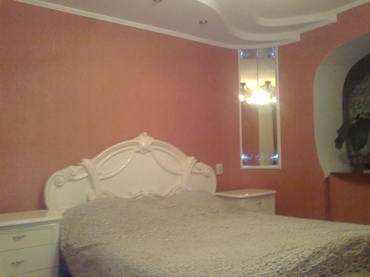 2-комнатная квартира посуточно в Каменце-Подольском. ул. Пушкинская, 47. Фото 1