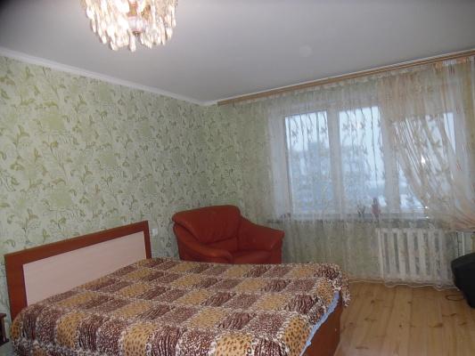 1-комнатная квартира посуточно в Ровно. ул. Князя Владимира, 28В. Фото 1