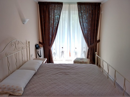 2-комнатная квартира посуточно в Луцке. ул. Гулака Артемовского, 17. Фото 1