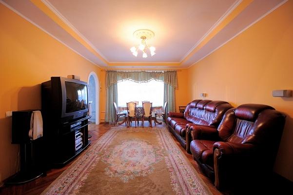 4-комнатная квартира посуточно в Киеве. Печерский район, б-р Леси Украинки, 2. Фото 1