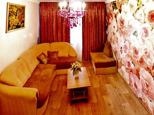 2-комнатная квартира посуточно в Чернигове. Деснянский район, пр-т Победы, 96. Фото 1