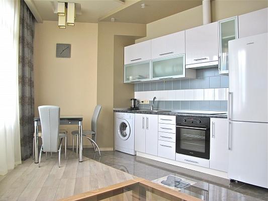 2-комнатная квартира посуточно в Одессе. Приморский район, ул. Пантелеймоновская, 112/2. Фото 1