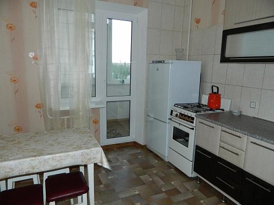 1-комнатная квартира посуточно в Бердянске. пр-т Пролетарский, 232. Фото 1