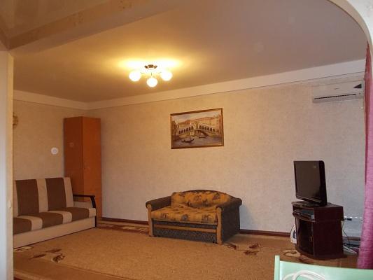 1-комнатная квартира посуточно в Запорожье. Хортицкий район, ул. Гудыменко, 40. Фото 1