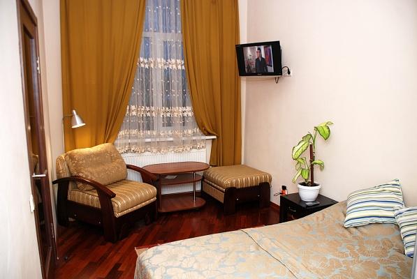 1-комнатная квартира посуточно в Львове. Лычаковский район, ул. Рыльского, 3. Фото 1