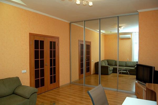 1-комнатная квартира посуточно в Донецке. Ворошиловский район, б-р Пушкина, 26. Фото 1