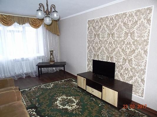 2-комнатная квартира посуточно в Артемовске. ул. Юбилейная, 6. Фото 1