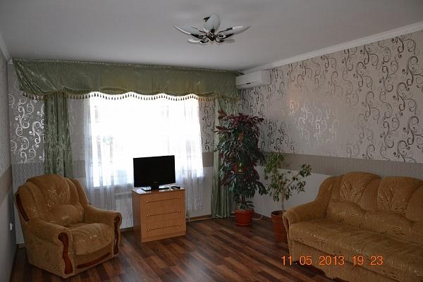 1-комнатная квартира посуточно в Миргороде. ул. Кашинского , 4. Фото 1
