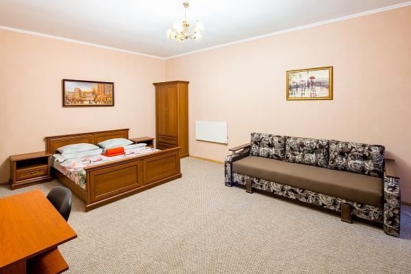 1-комнатная квартира посуточно в Львове. Галицкий район, пл. Рынок, 31. Фото 1