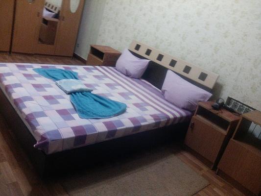 2-комнатная квартира посуточно в Харькове. Киевский район, ул. Ярослава Мудрого (Петровского), 35-А. Фото 1