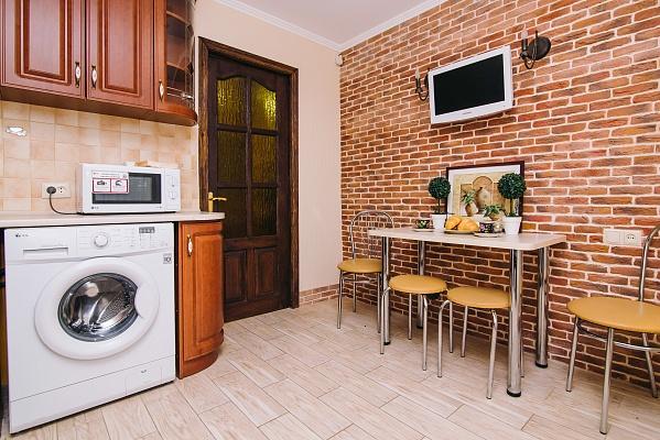 2-комнатная квартира посуточно в Виннице. Замостянский район, ул. Некрасова, 26. Фото 1