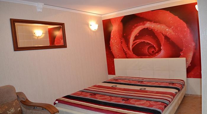 1-комнатная квартира посуточно в Николаеве. Центральный район, пр-т Центральный (Ленина), 107. Фото 1