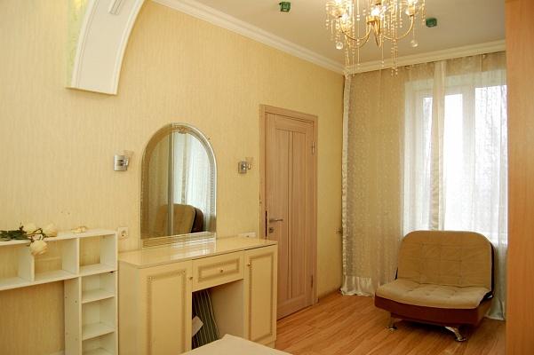 2-комнатная квартира посуточно в Макеевке. пр-т Генерала Данилова, 65. Фото 1