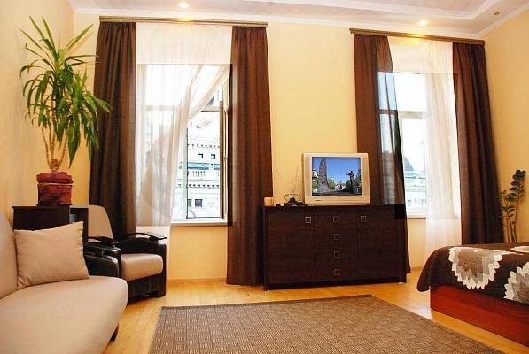 1-комнатная квартира посуточно в Львове. Галицкий район, пр-т Свободы, 26. Фото 1