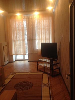 2-комнатная квартира посуточно в Харькове. Киевский район, ул. Пушкинская, 49а. Фото 1