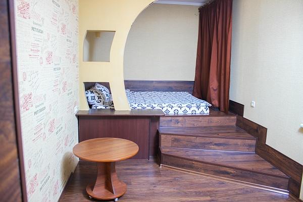 1-комнатная квартира посуточно в Кривом Роге. Долгинцевский район, ул. Сельскохозяйственная, 37. Фото 1