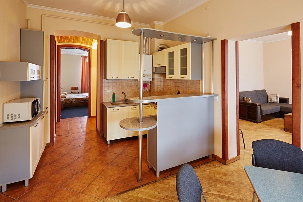 3-комнатная квартира посуточно в Львове. Галицкий район, ул. Галицкая, 20. Фото 1