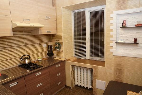 2-комнатная квартира посуточно в Северодонецке. пр-т Гвардейский, 38А. Фото 1