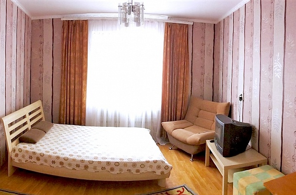 1-комнатная квартира посуточно в Сумах. Ковпаковский район, ул. Д. Коротченко, 27. Фото 1