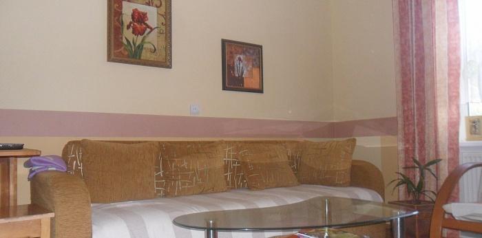 3-комнатная квартира посуточно в . ул. Добролюбова, 9. Фото 1