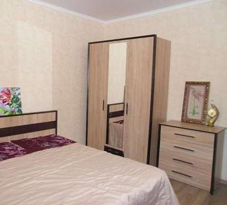 2-комнатная квартира посуточно в Ровно. ул. Виденская, 5в. Фото 1