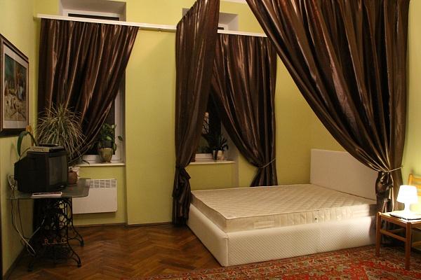 2-комнатная квартира посуточно в Львове. Лычаковский район, ул. Рыльского, 5. Фото 1