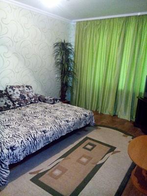 1-комнатная квартира посуточно в Комсомольске. Ленина, 66. Фото 1