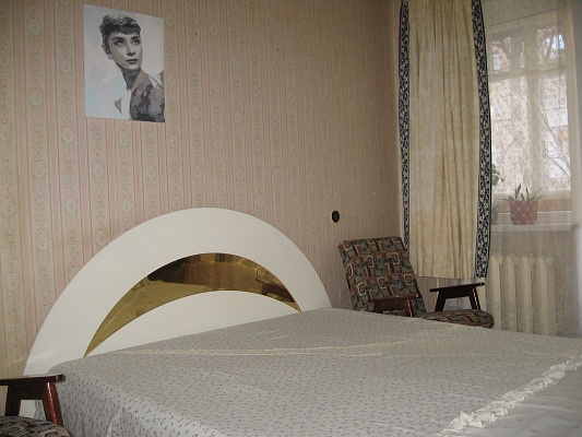 2-комнатная квартира посуточно в Харькове. Фрунзенский район, ул. Танкопия, 9/1. Фото 1