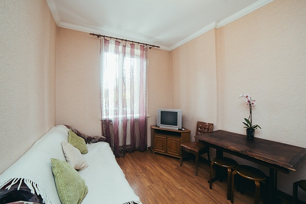 2-комнатная квартира посуточно в Львове. Галицкий район, ул. Торговая, 15. Фото 1