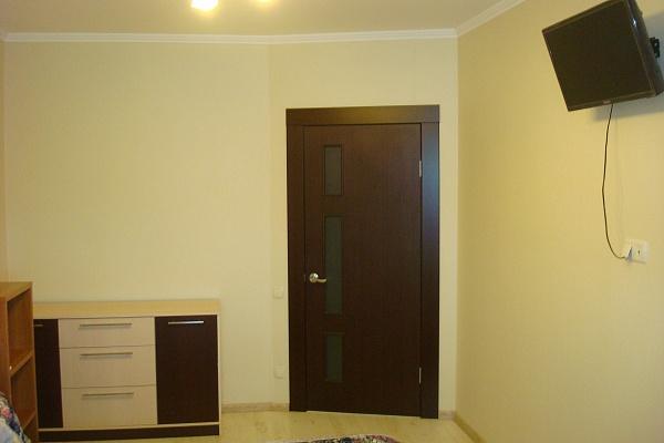 2-комнатная квартира посуточно в Одессе. ул. Мизикевича, 6. Фото 1